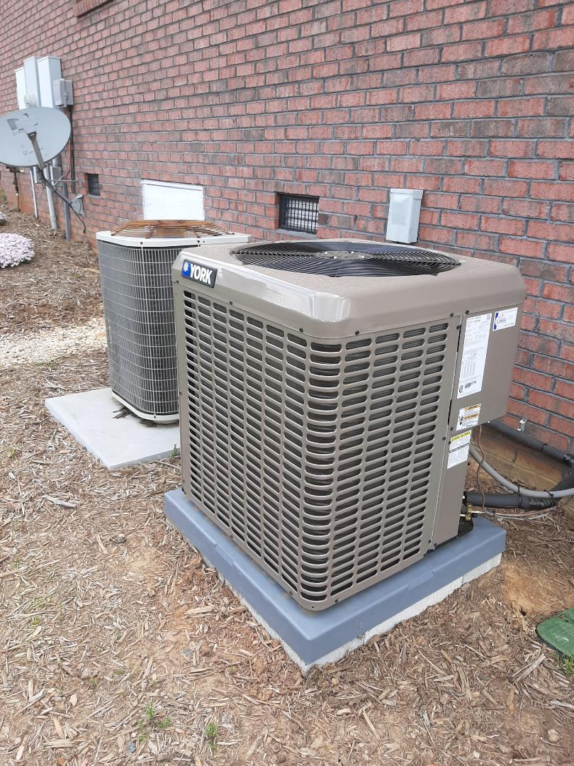 Conover, NC - Installation of a York heat pump in Conover.