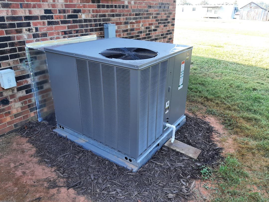 Maiden, NC - Newly installed heat pump packaged unit