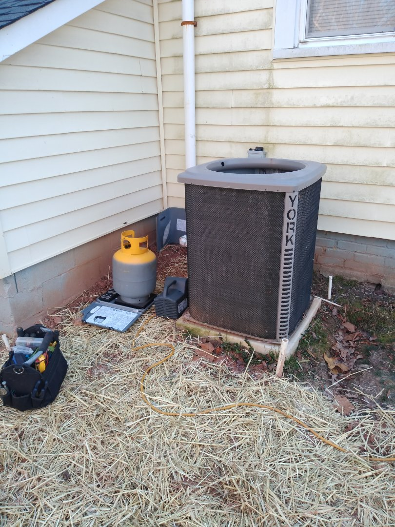 Conover, NC - Replacing an outdoor txv