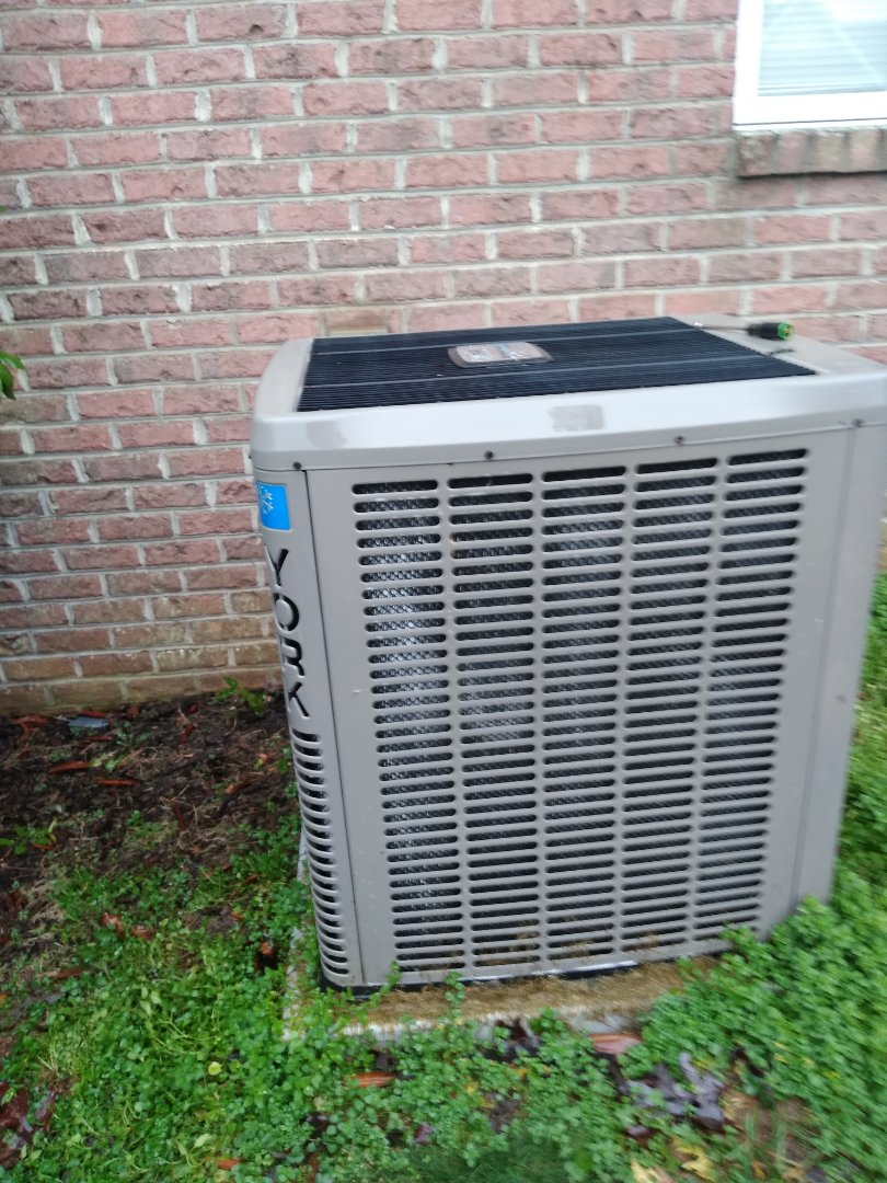 Township of Taylorsville, NC - Performing scheduled maintenance on a maintenance priority plus customers heat pump in Bethlehem