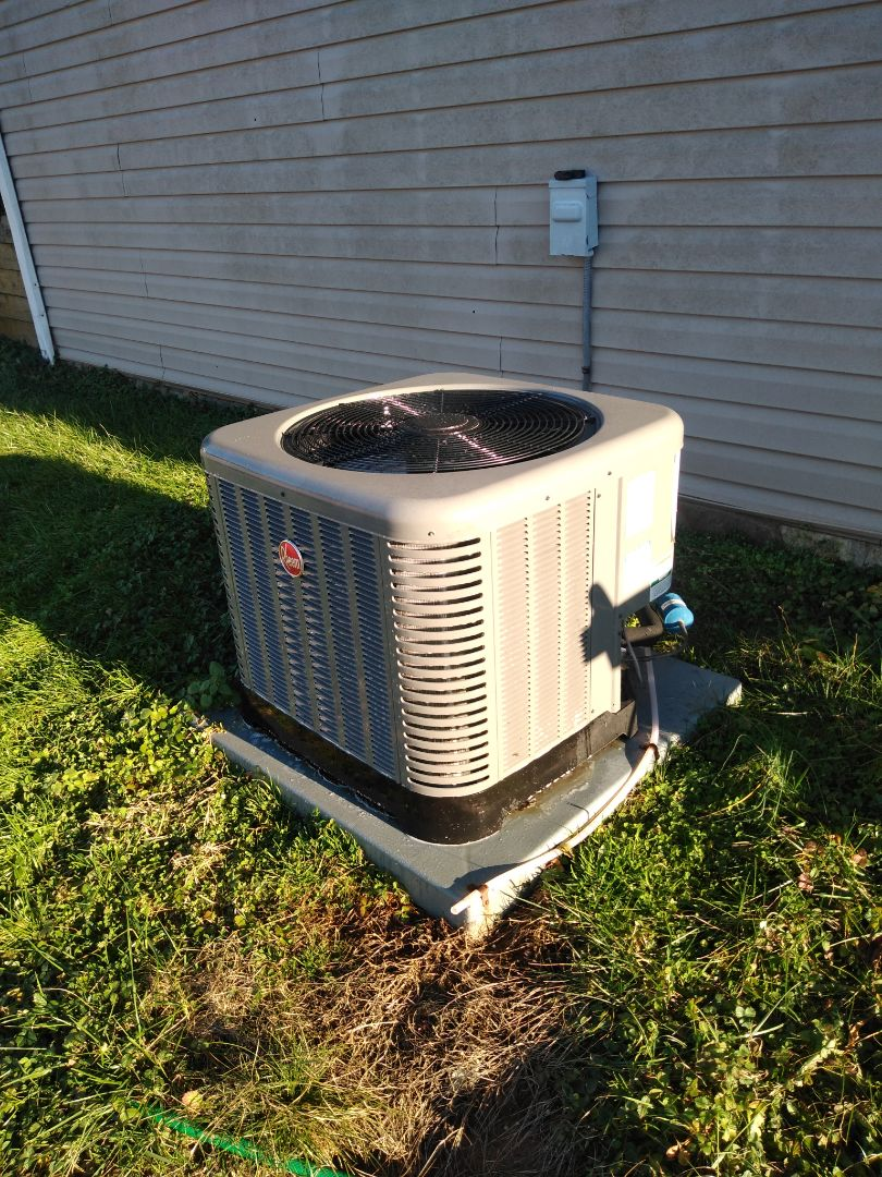 Conover, NC - Performing scheduled maintenance for maintenance priority plus customer on their heat pump in the conover area