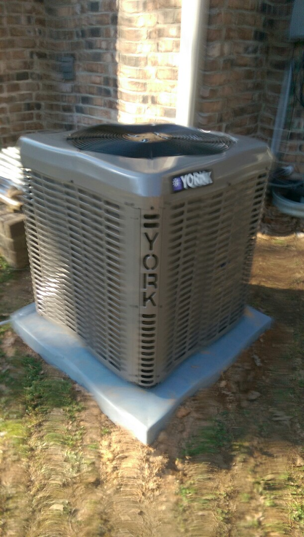 Hickory, NC - Installation of a new 5 stage heat pump in Hickory.