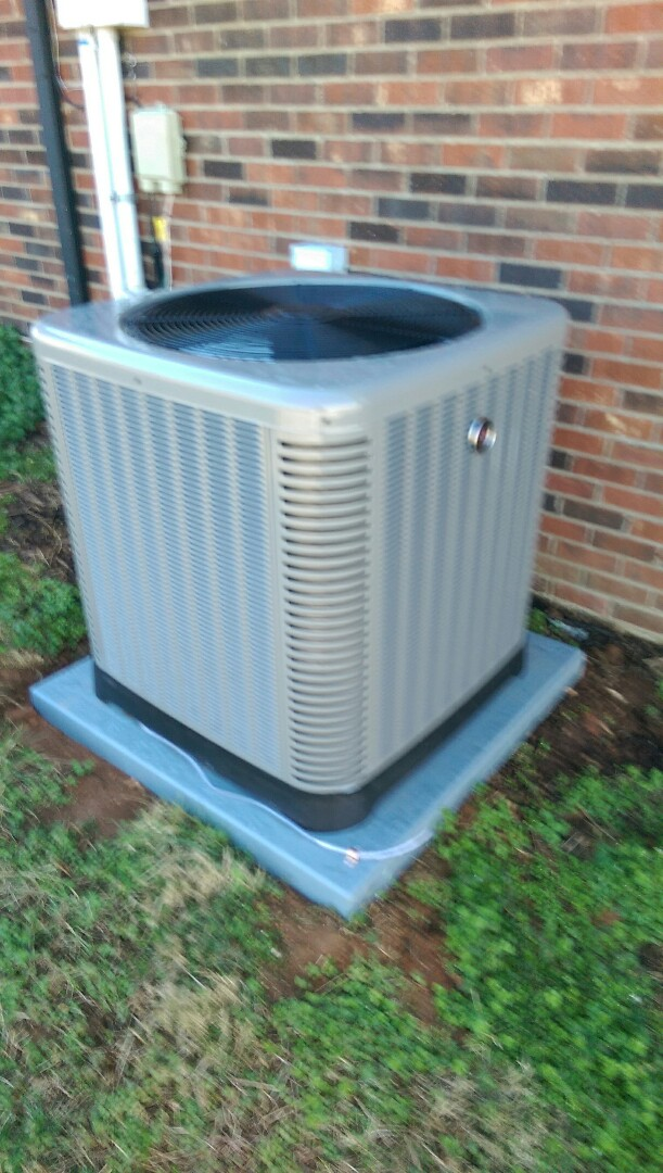 Conover, NC - Installation of a new heat pump in Vale.