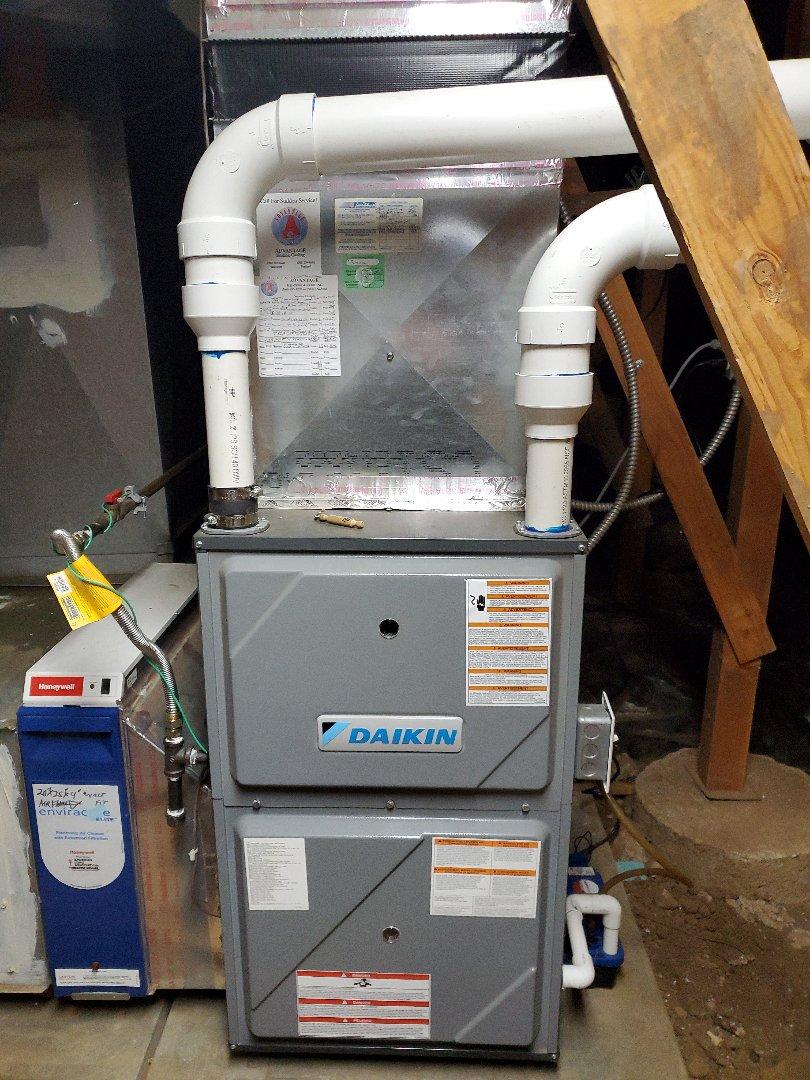 Camas, WA - Service and cleaning on a Daikin gas furnace.
