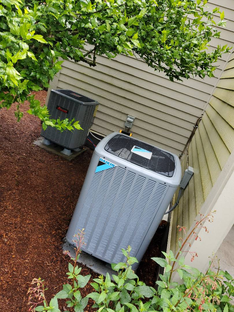 Washougal, WA - Performed a service and cleaning on two heat pumps. One amana, and one daikin. Comfort club annual maintenance agreement.