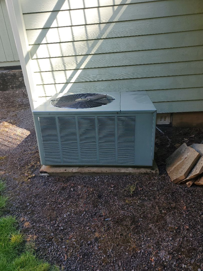 Camas, WA - Performed a service and cleaning on a rheem air conditioner. Comfort club annual maintenance agreement.