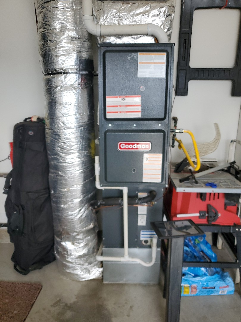 La Center, WA - Performed a service and cleaning on a Goodman gas furnace and air conditioner.