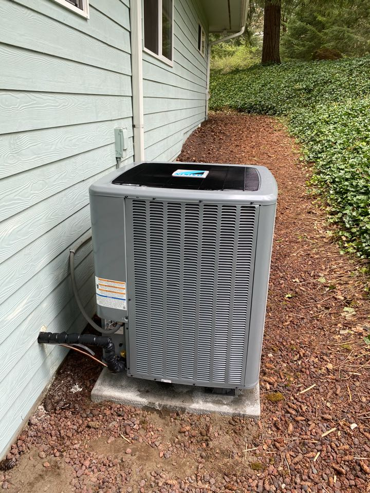 Battle Ground, WA - Replaced an Air handler with AC with an air handler and heat pump system in Battleground WA.