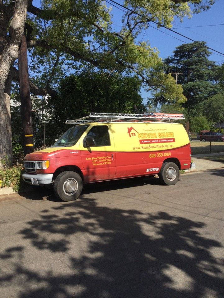 Pasadena, CA - Best plumber in town working on restoring flow to clogged toilet