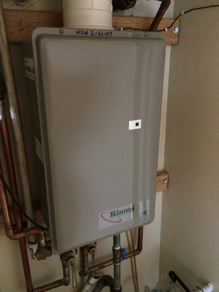 San Dimas, CA - Rinnai c85 intermittent hot water at shower and sink. May need new style Rinnai to correct delay issue at kitchen sink
