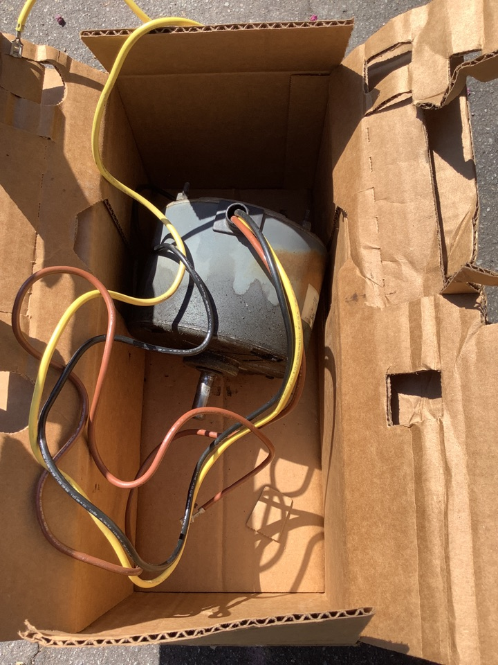 Altadena, CA - Best Air Conditioning Technician near me working on replacing Condenser Fan motor on Carrier Air Conditioner