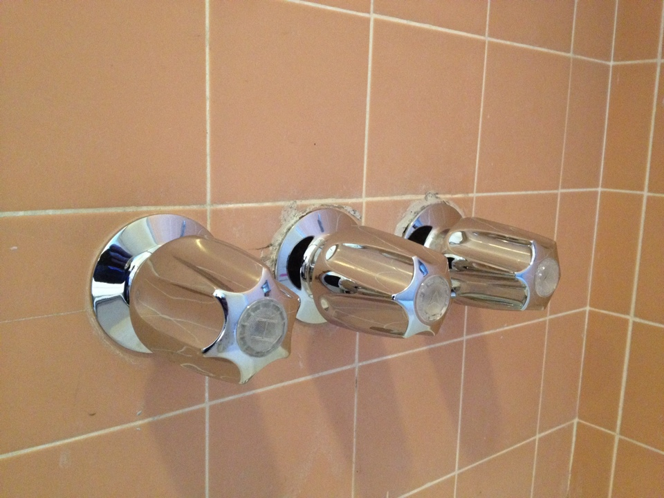 San Gabriel, CA - Plumbing service call. Plumber repair shower valve and spout