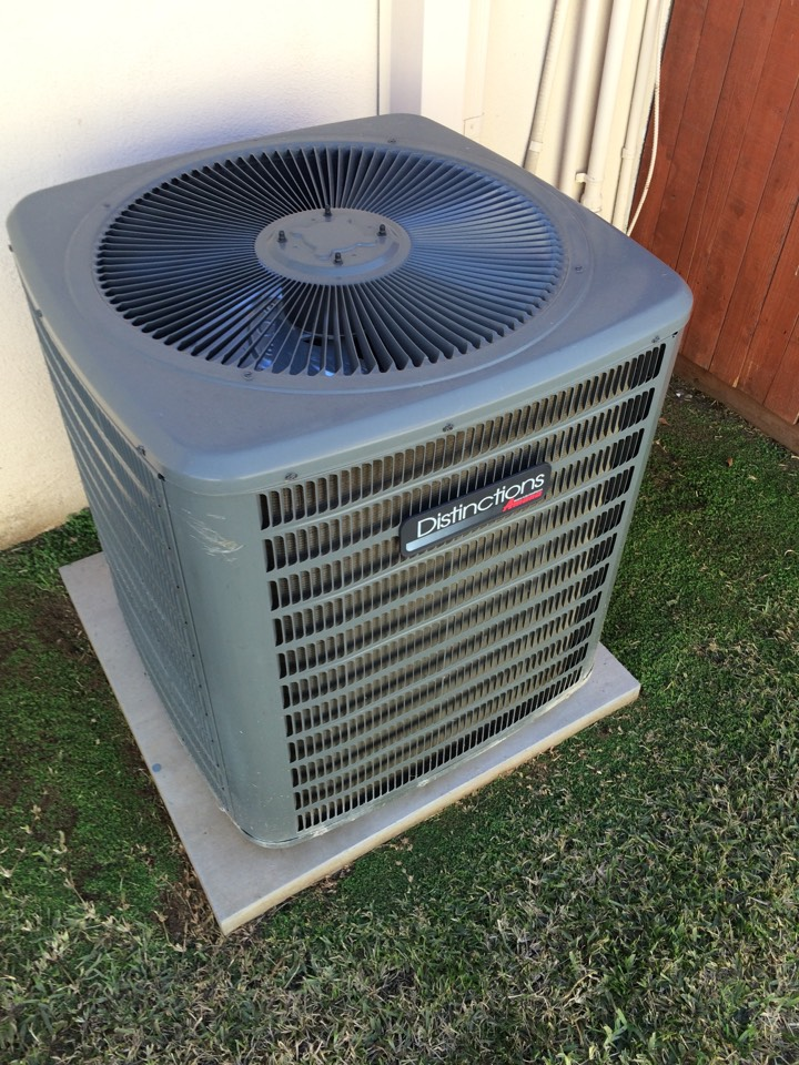 Azusa, CA - Heating and air-conditioning maintenance call. Distinctions by Amana heat and air conditioning.