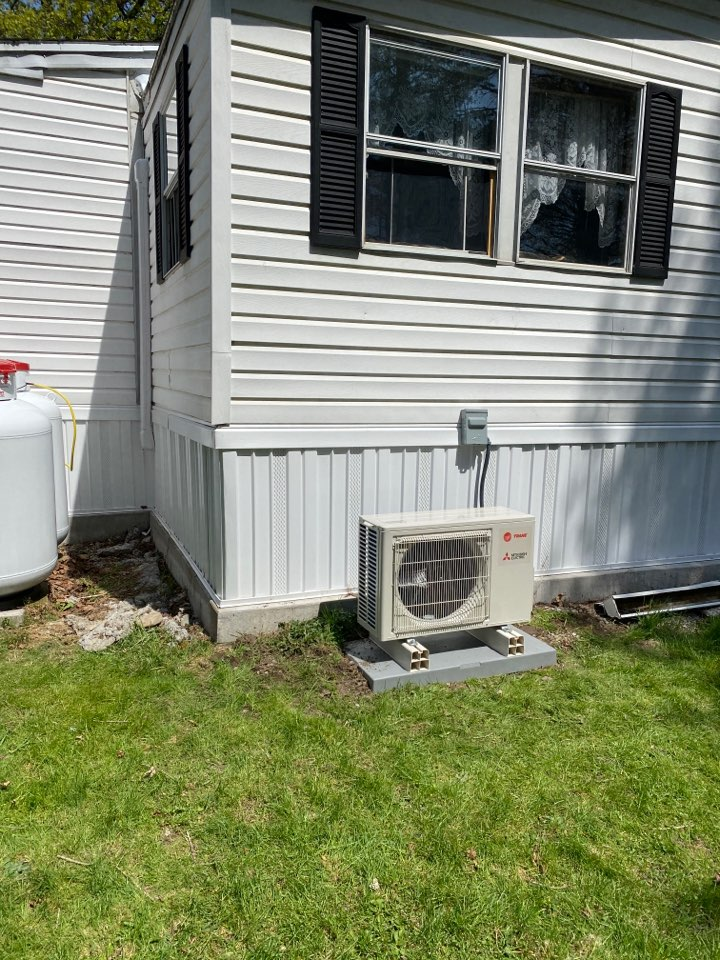 Waverly, NY - 1 to 1 ductless install
