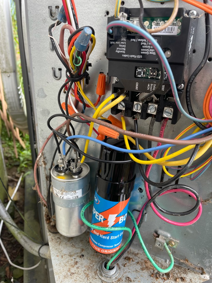 Lawton, PA - Heil a240v repairs. Electronic contactor, dual capacitor, hard start kit