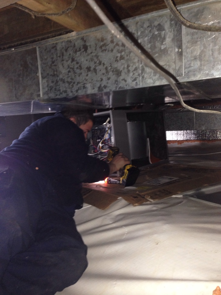 Elmira, NY - Install a high efficient natural gas furnace in a crawl space
