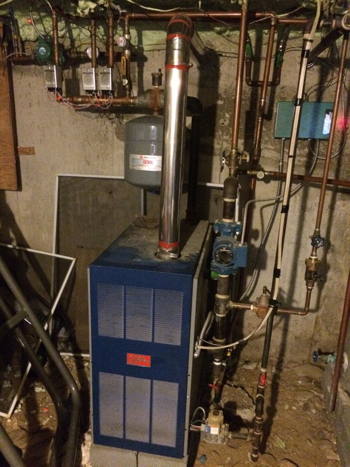 Conklin, NY - Weekend emergency no heat call on Honeywell zone valves and a Utica boiler