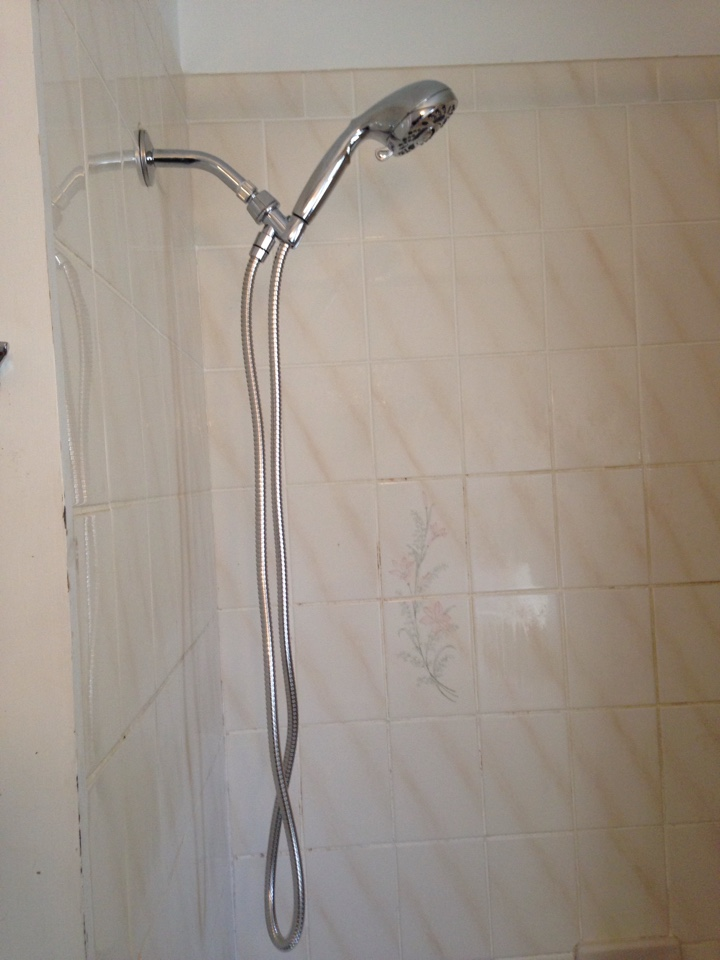 Glenside, PA - Installed shower head.