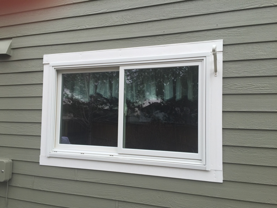 Denver, CO - Replacing original Vinyl windows that were leaking water and air with new Renewal by Andersen replacement windows!