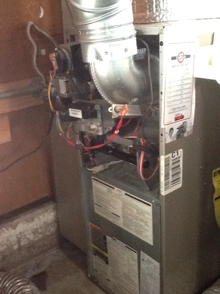 South San Francisco, CA - Furnace not coming on. Found blown fuse caused by corrosion. Replaced and performed maintenance on Carrier furnace. Everything ok at this time