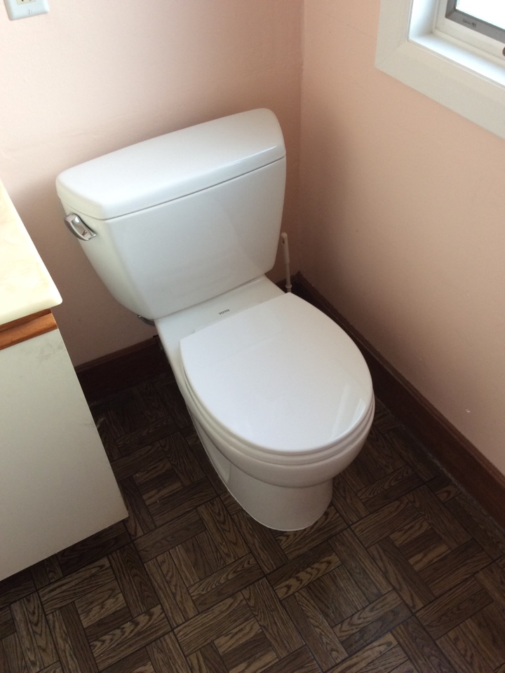 Menlo Park, CA - Plumber installed new Toto drake toilet and install new cast iron flange.