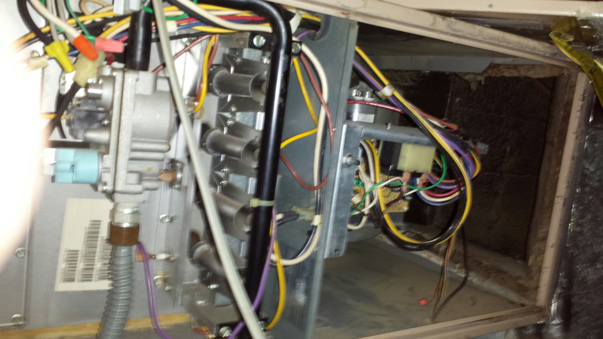 Lakeland, LA - Heater service Baton Rouge LA. Technician perform heat tune up on system. Check compressor for proper blower amperage. Inspect for proper duct cleaning. Check for germicidal UV light.