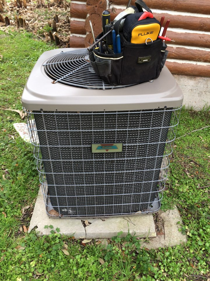 Maringouin, LA - AC service baton rouge. As a heating contractor in baton rouge we perform heat tune up on an Evcon system. Check for dusty duct work, inspect for leaks in ductwork. As we perform heat service we inspect all safety's including: check for worn capacitors, inspect for rust on evaporator coil, inspect for organic growth in plenum, inspect for attic insulation R38, check for 13 MERV rating on air filter