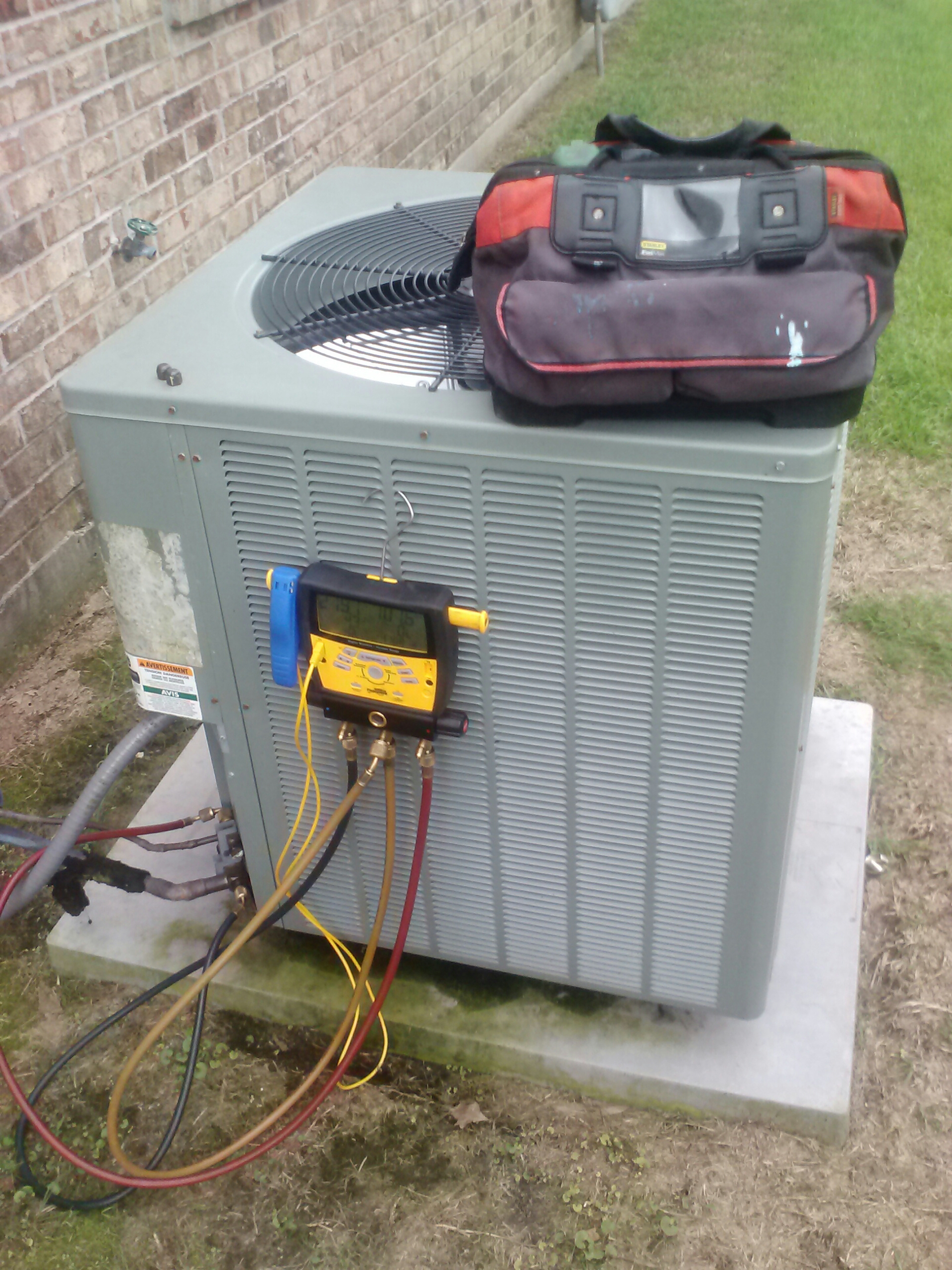 New Roads, LA - Serviced unit for not cooling properly, Rheem AC unit low on charge, added freon to get unit cooling properly.