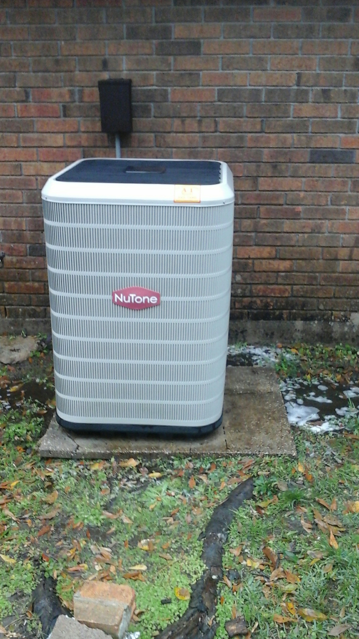 Gonzales, LA - Clean check Nordyne  system.  Customer  selling  house wanted equipment cleaned  checked and working properly.