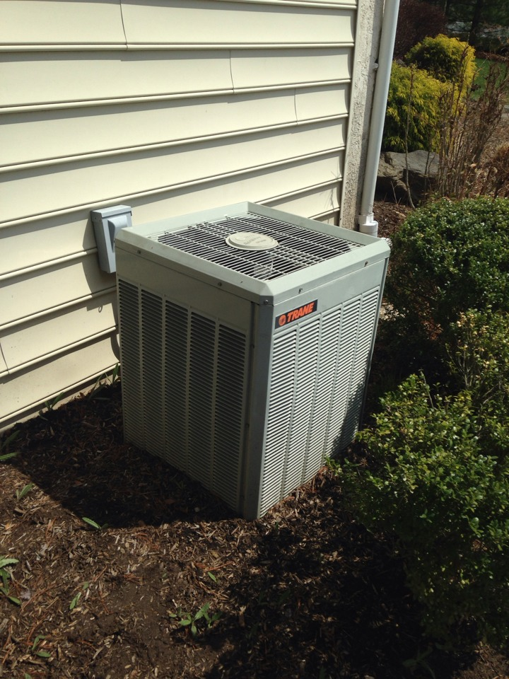 Rose Valley, PA - 14 year old trane air conditioning maintenance.