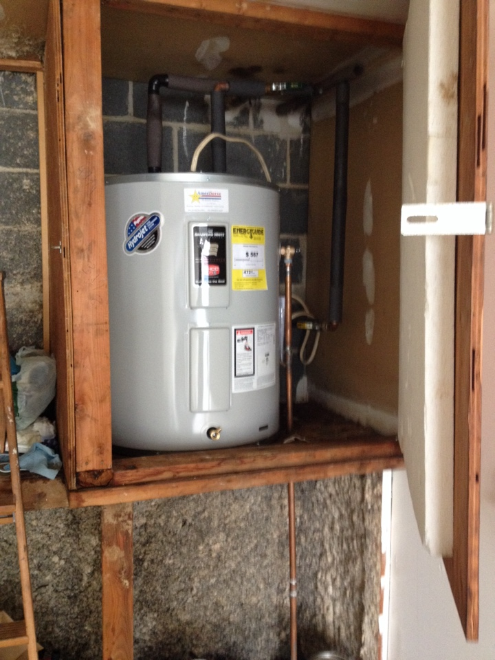 Remove old and install new 40 gallon bradford white low boy water heater under warranty. Client had a 8 yr tank warranty and the water failed after 4 years.