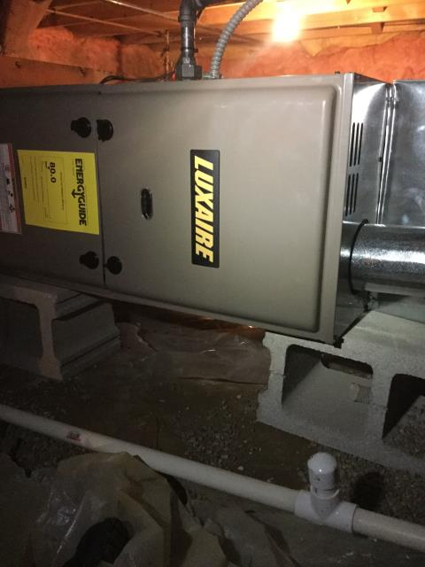 Marengo, IL - New Luxaire furnace installation quality inspection.  This horizontal furnace install was provided with the option of a yearly maintenance agreement.  Approved Comfort prides itself on being the best HVAC Home Advisor around town.