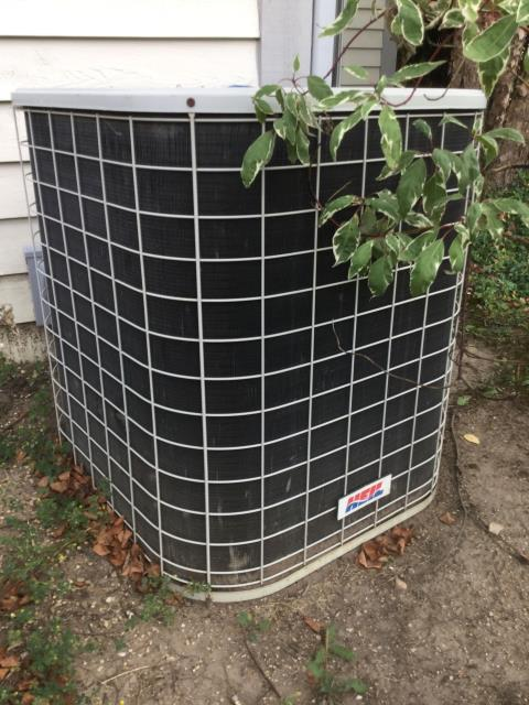 Lake in the Hills, IL - AC cleaning of 21 year old Heil condensor.