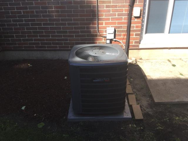 Hoffman Estates, IL - Combo clean and check on 4 year old equipment, installed start assist on air conditioner