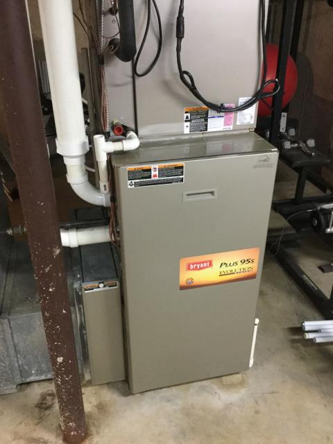 St. Charles, IL - 7 year old Bryant high efficiency furnace cleaning