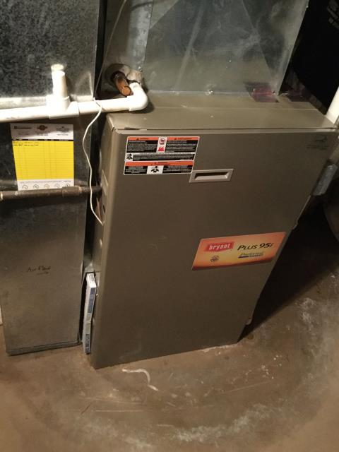 Algonquin, IL - Furnace repair for an 8 year old Bryant