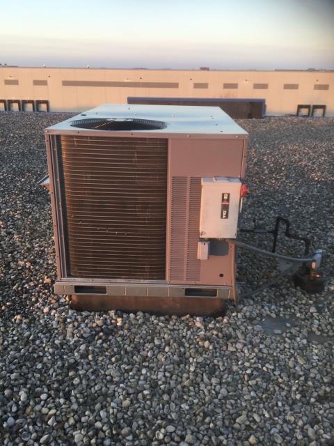 Gilberts, IL - Installing a 5 ton rtu system