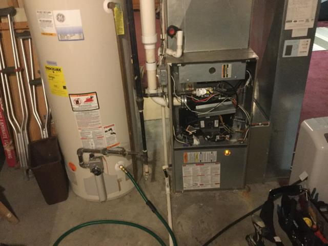 Crystal Lake, IL - Furnace service on a 100,000 8 year old Bryant furnace