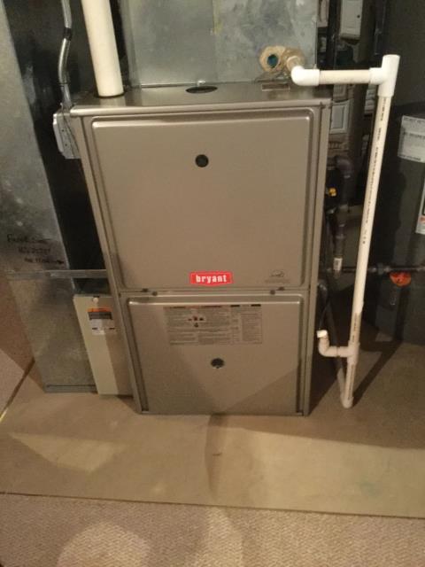 Carpentersville, IL - Brayant high efficiency gas furnace maintenance