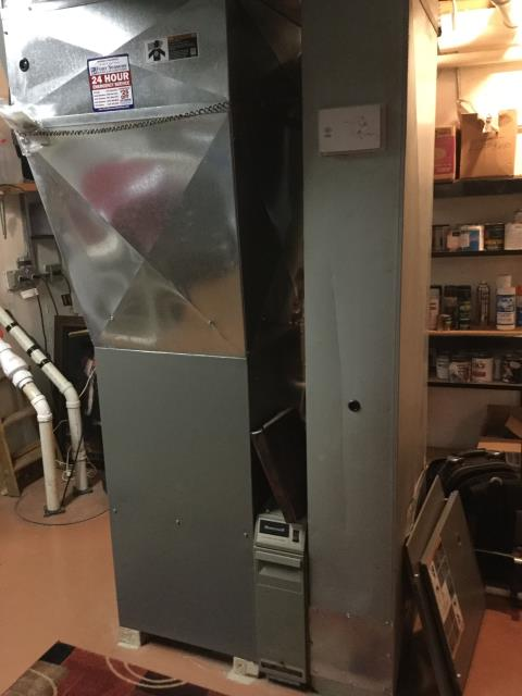 Rolling Meadows, IL - 10 year old Lennox furnace carbon monoxide check