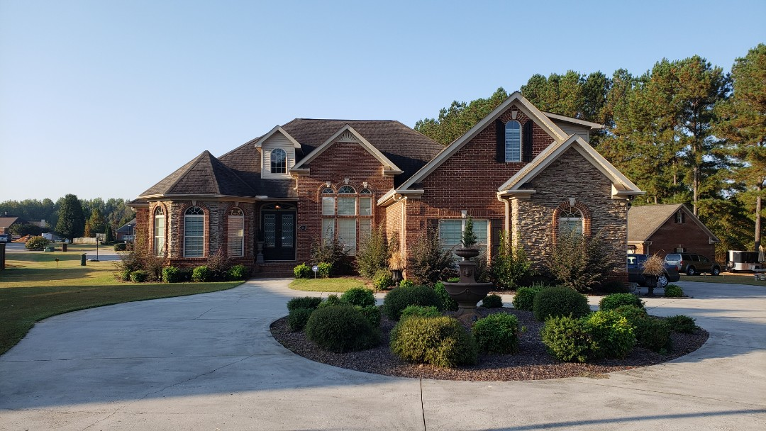 Athens, AL - The customer is wanting to update the shingles with Owens Corning Duration shingles on this beautiful house in Athens,AL, call Ridgeline Construction for your free estimate!