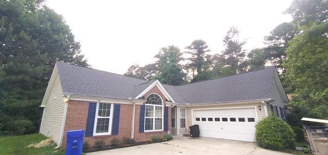 Union City, GA - Roof Installation - 6/14/2021 Shingles: Moire Black Lifetime Architectural