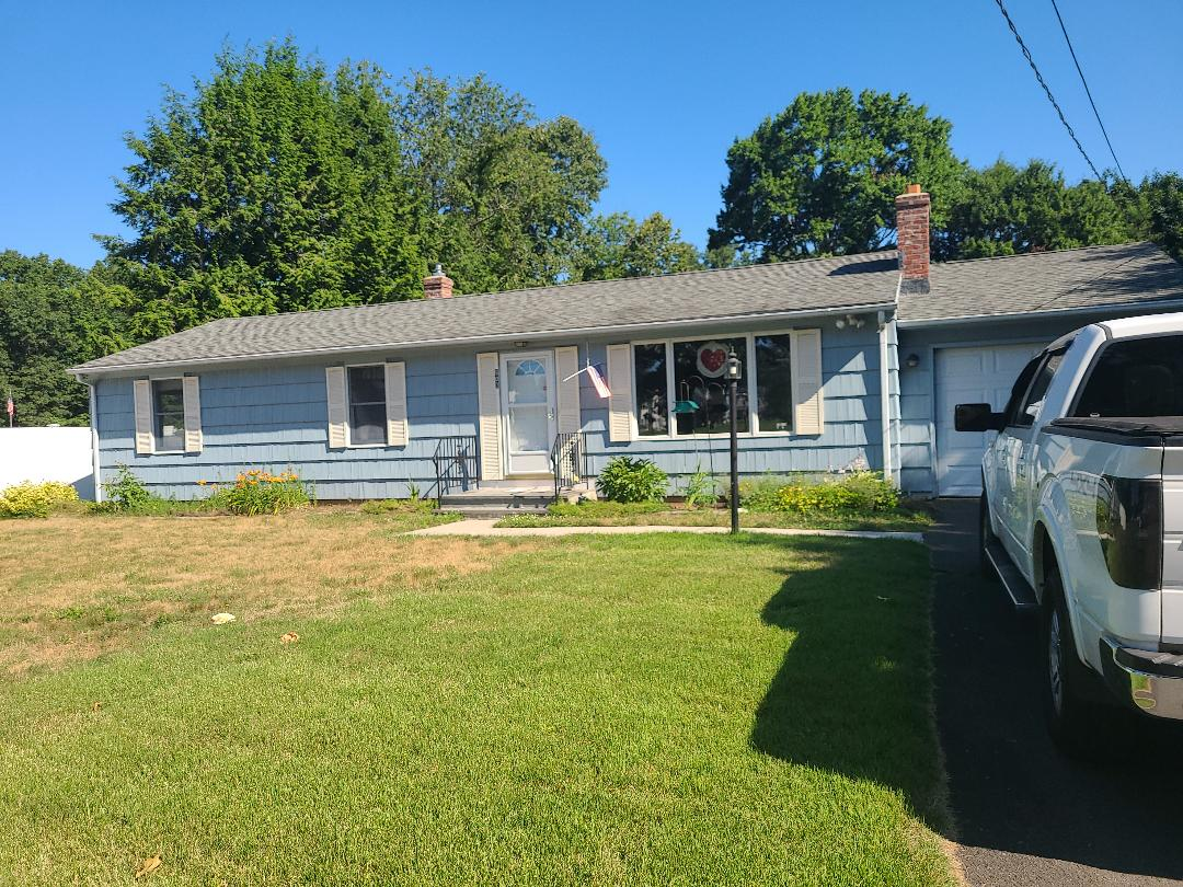 Southington, CT - Quoting new Vinyl siding and seamless gutters on this Ranch...no more painting!!!