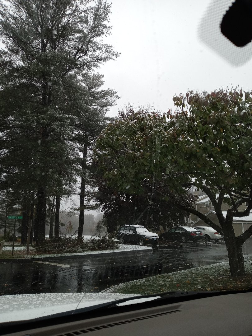 Southington, CT - Snowy day in Connecticut still plenty of time to get your roof completed for winter!