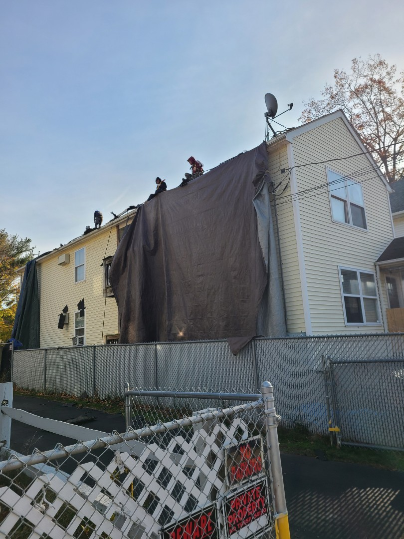 New Haven, CT - Roofing in new haven. Call vnanfito roofing and siding for a free estimate today