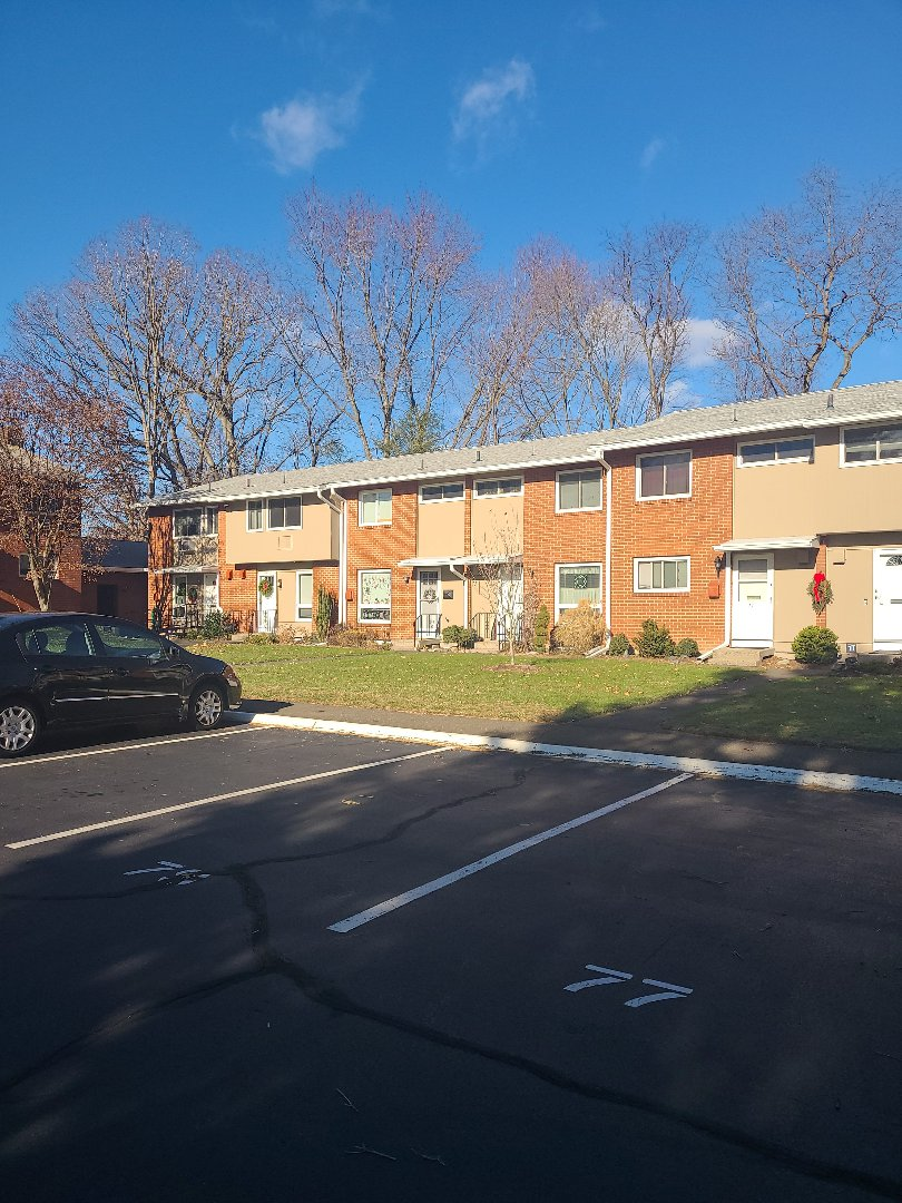 Hamden, CT - Wrapped up a gutter and trim project on this condo complex!!