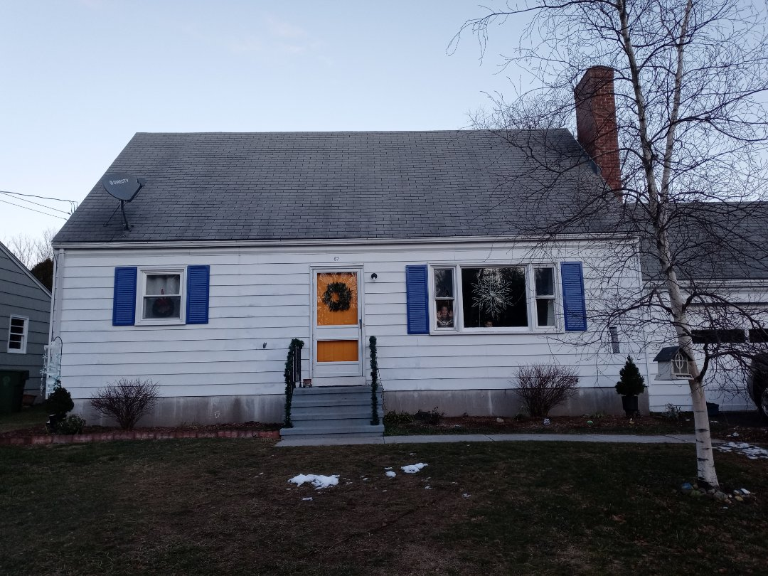 Bristol, CT - New roofing and flashing install on this house in Bristol Connecticut we are in your area and can quote your project promptly!