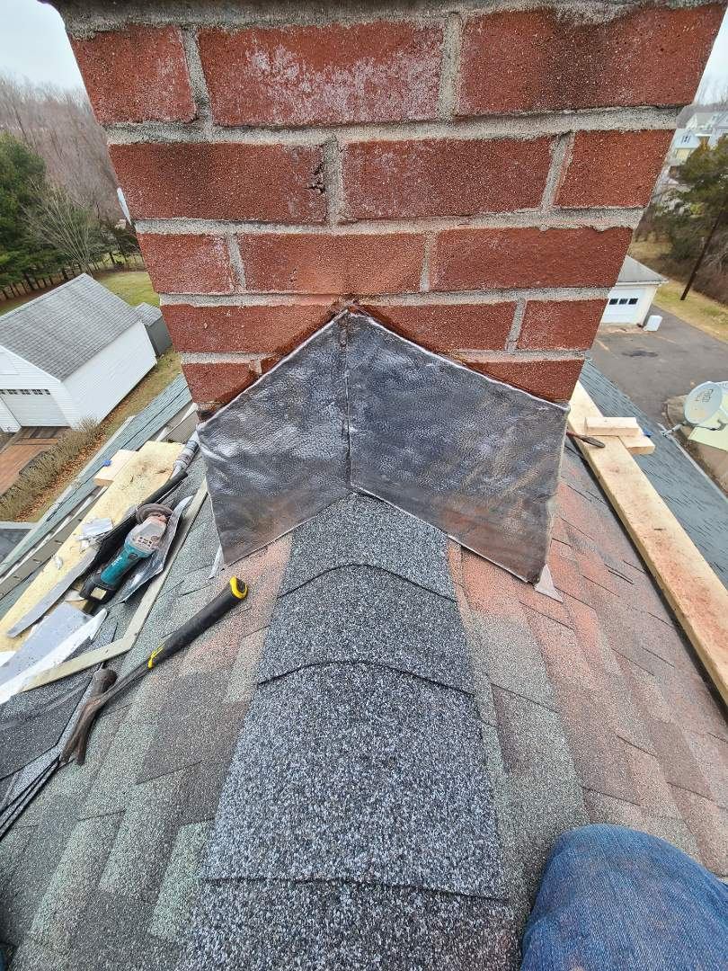 Middletown, CT - Have a roof leak ? Call VNanfito roofing and siding today for a free estimate on any of your home remodeling needs