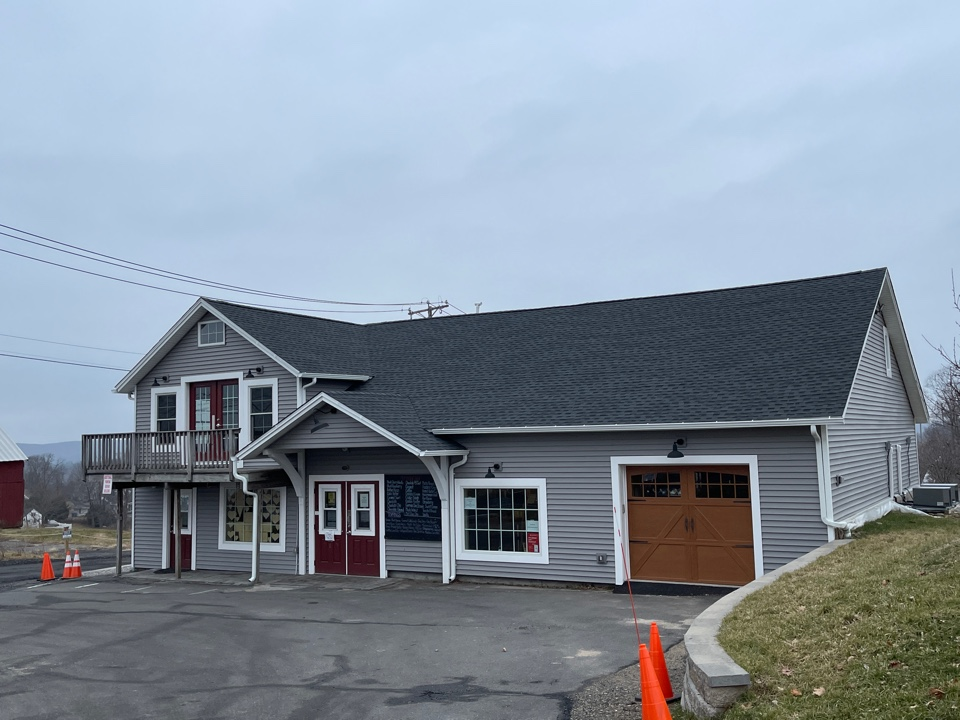 Bristol, CT - Another quality roofing and siding project completed. GAF TIMBERLINE HDZ SHINGLES. CHARCOAL COLOR WITH ROYAL MARKET SQUARE SIDING. DRIFTWOOD COLOR