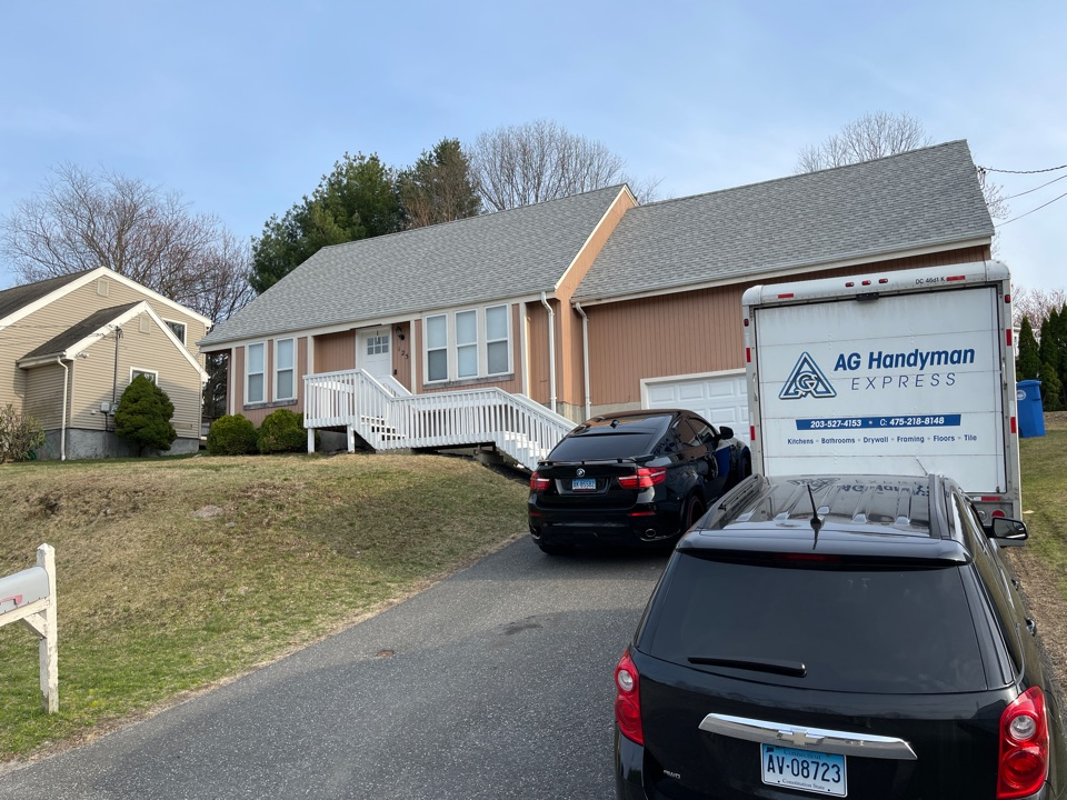 Waterbury, CT - We are providing an estimate for siding on this cape home